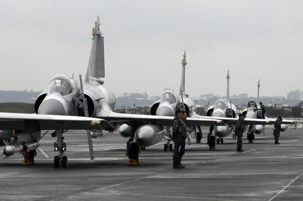 ĐCSTQ tiếp tục điều số lượng kỷ lục 56 chiến đấu cơ đến Đài Loan
