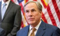 Thống đốc Texas cấm mọi tổ chức quy định bắt buộc tiêm vaccine COVID-19