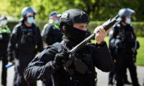 Cảnh sát Úc từ chức sau khi thấy người biểu tình vì COVID-19 bị đối xử 'như kẻ xâm lược nước ngoài'