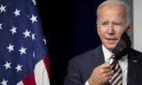 Nhà Trắng coi nhẹ việc ông Biden không đeo khẩu trang khi vào nhà hàng