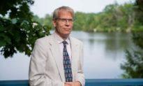Giáo sư Đại học Harvard: Không nên tiêm vaccine cho trẻ em