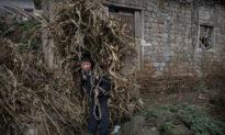 Đưa tin Trung Quốc thoát nghèo là giả, phóng viên nước ngoài bị tấn công