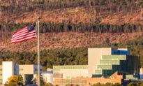 Mỹ: 185 nhân viên Phòng thí nghiệm Vũ khí Hạt nhân bị cho thôi việc sau khi được miễn trừ tiêm chủng COVID-19 bắt buộc