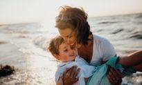 Các vấn đề về nuôi dạy con trẻ: Sức mạnh cứu sống của những người mẹ