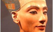 Trang điểm mắt của người Ai Cập cổ đại được coi là thuốc