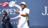 Ngôi sao quần vợt phải kết thúc mùa giải sau khi tiêm vắc-xin Covid-19
